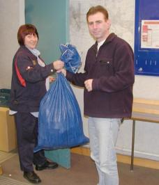 handing in the mail bag at Maidenhead Delivery Office